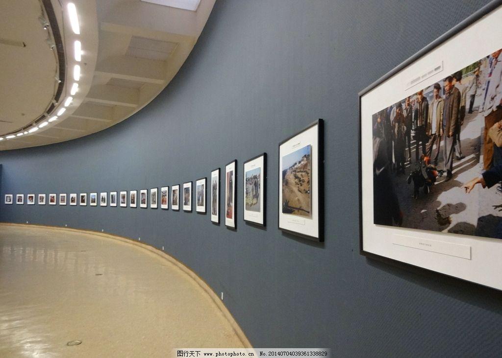 艺术馆展厅 艺术馆 展厅 展览 看板 弧形 环形 大厅 艺术 美术 照片