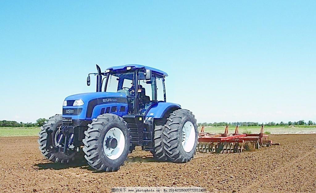 雷沃欧豹2654拖拉机图片