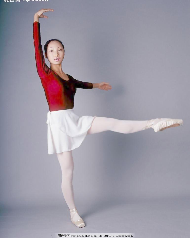 舞蹈_女生跳舞的时候穿的那种白色舞蹈袜和普通的白色丝袜和连裤袜有什么