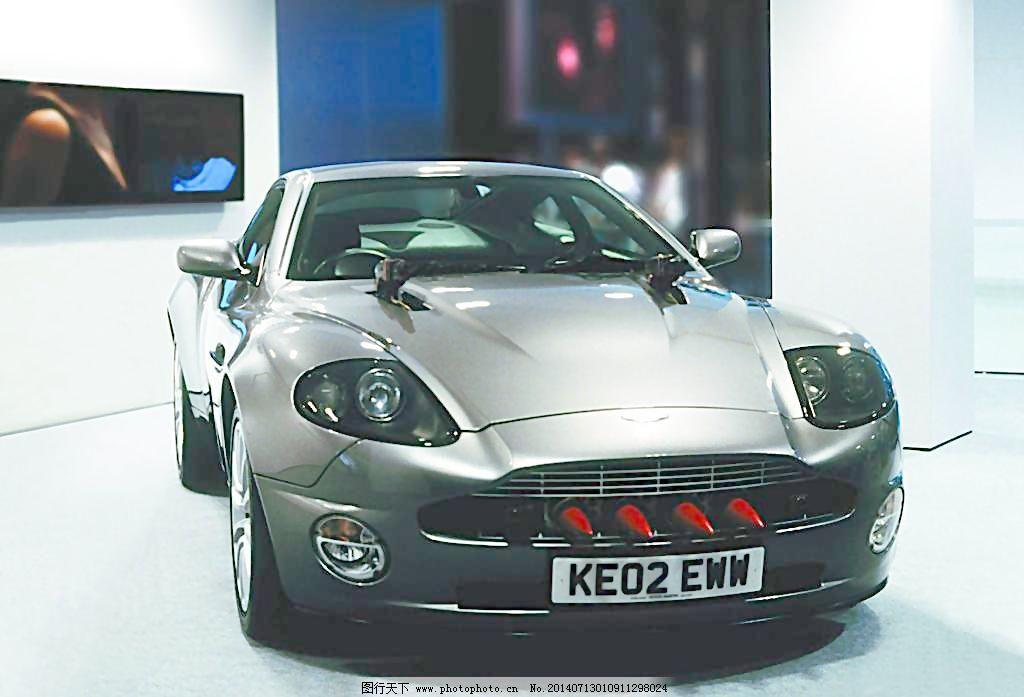展览 汽车海报 汽车广告 交通工具 现代科技 摄影 350dpi jpg 装饰