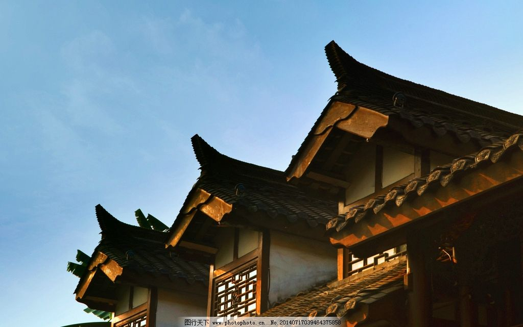 成都宽窄巷子 宽窄巷子 仿古建筑 木结构建筑 瓦片 瓦 蓝天 夕阳 建筑