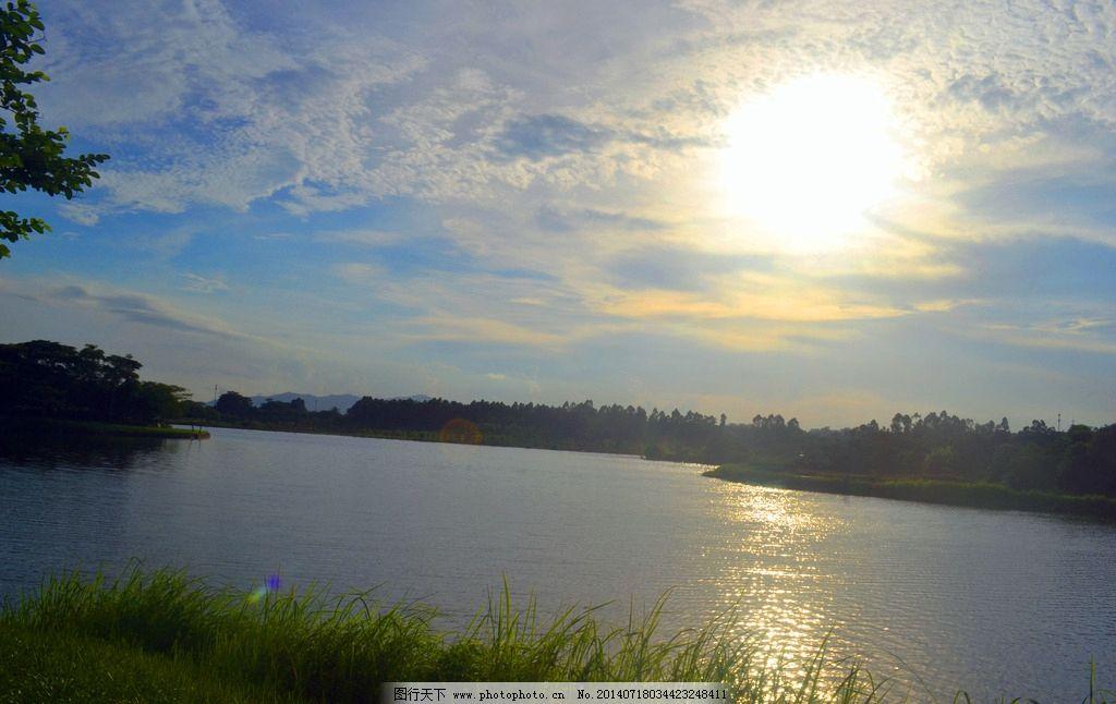 晚霞湖面 松山湖 松湖 风景 湖泊 树林 倒影 蓝天 白云 波浪