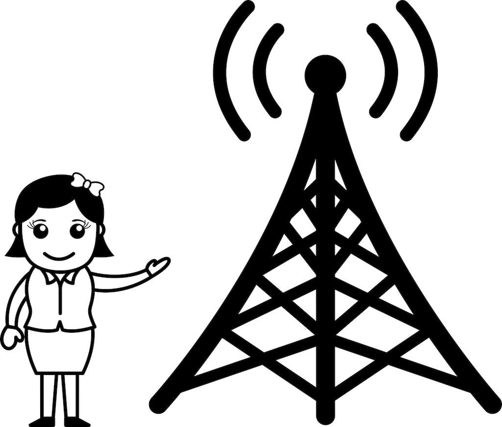 女孩表现出电视信号塔
