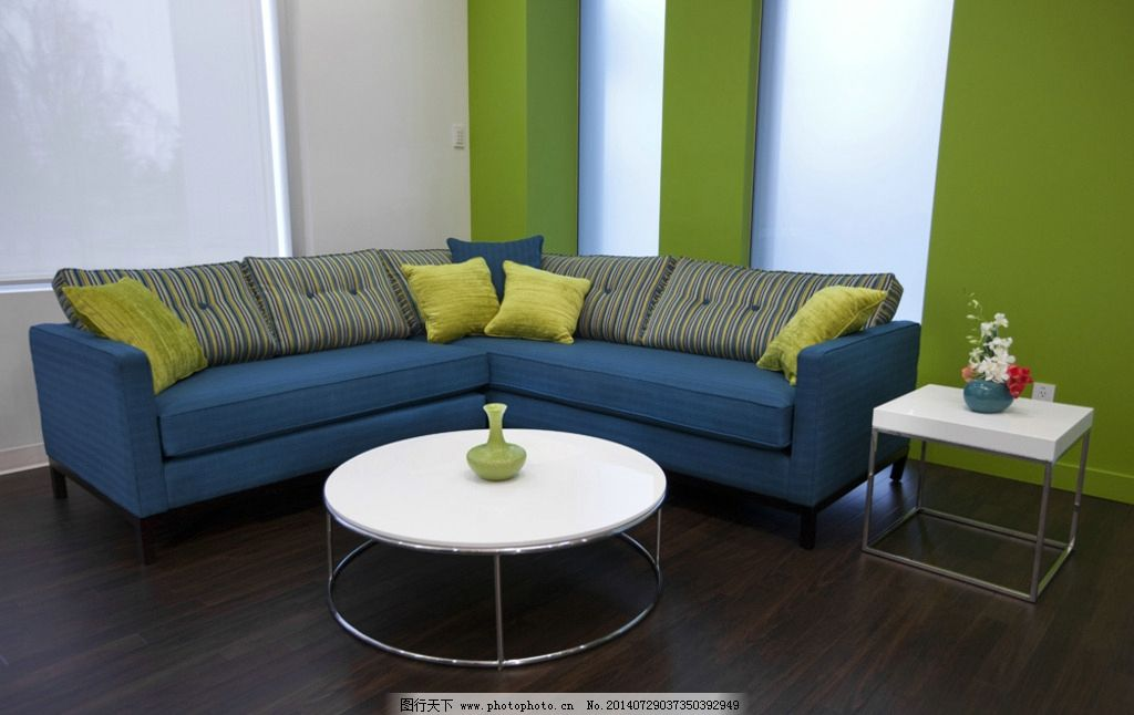 布艺沙发 组合沙发 地板 茶几 桌子 室内 家具 沙发 豪华 奢华 木地板图片