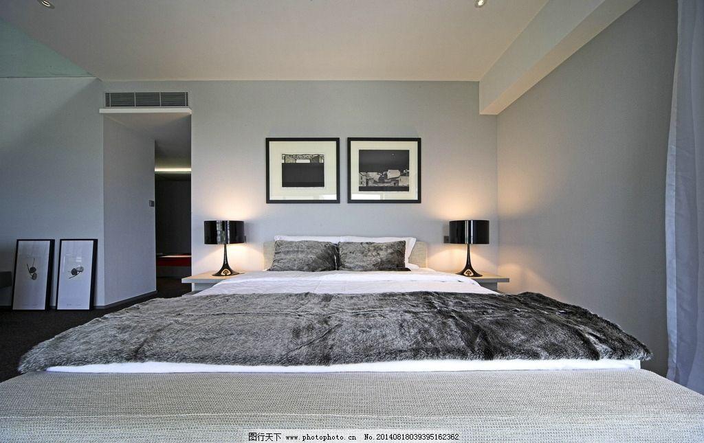 卧室正面照片图片