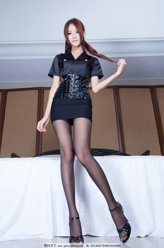 黑腿丝短裙美女_黑丝美腿图片_女性女人_人物图库_图行天下图库